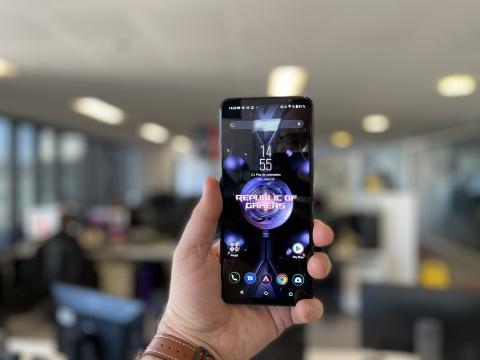 Test du ROG Phone 5 : Le smartphone pour gamer d'Asus fait de l'ombre à Samsung et Apple