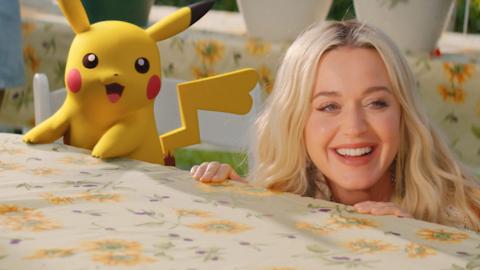Katy Perry célèbre les 25 ans de Pokémon dans son nouveau clip Electric