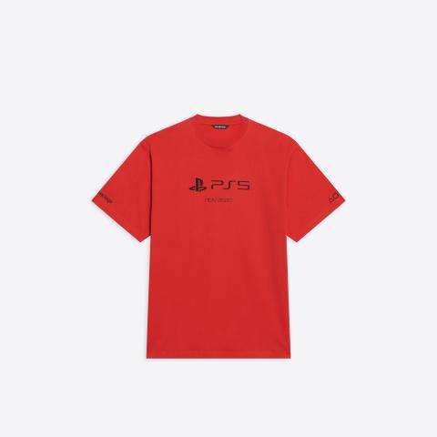 PS5 : une collaboration avec Balenciaga dévoilée, les t-shirts plus chers que la console elle-même !