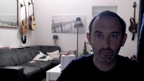 Logitech Streamcam vs Razer Kiyo Pro : combat de géants chez les webcam pour le streaming