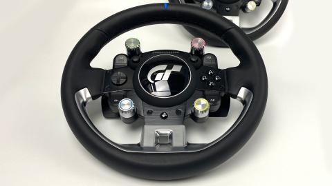 Test du volant Thrustmaster T-GT II : La valeur sûre sur PS5, PS4 et PC