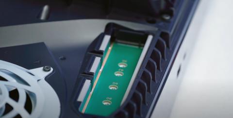PS5 : l'extension de stockage interne activée en bêta, quels SSD sont compatibles ?